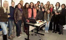 Alunos de Pós-Graduação em Psicologia Hospitalar e da Saúde com as profas. Ms. Heloísa Campos e Dra. Elaine Lange - 13/06/2010